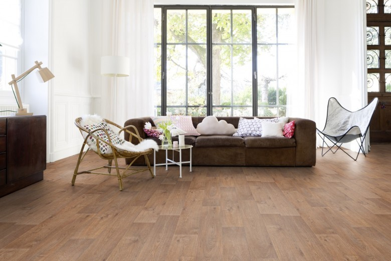 RS31479_RS30135_TIMBER%20CLEAR%20LIVING%20ROOM-lpr_1.jpg