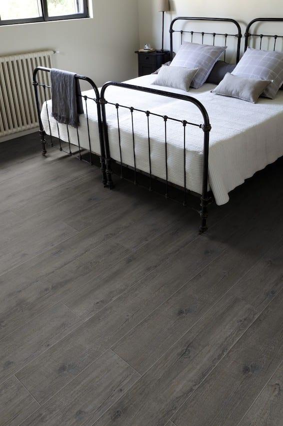 vinylboden zum kleben in schwarz bis zu 50 sparen. Black Bedroom Furniture Sets. Home Design Ideas